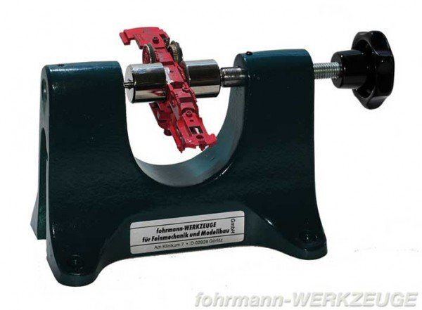 Press tool for H0 wheels