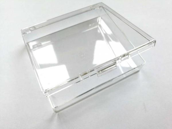 Dose mit Scharnierdeckel aus glasklarem Polysterol